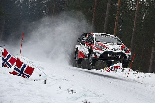 Sweden WRC: Latvala takes lead as Neuville loses wheel