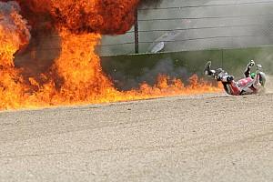 World Superbike Top List Galeria: Laverty escapa de explosão de moto após queda