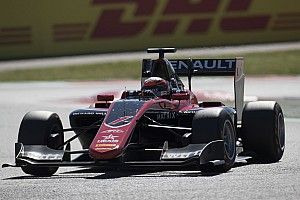 Barcelona GP3: Renault's Aitken takes pole for season opener