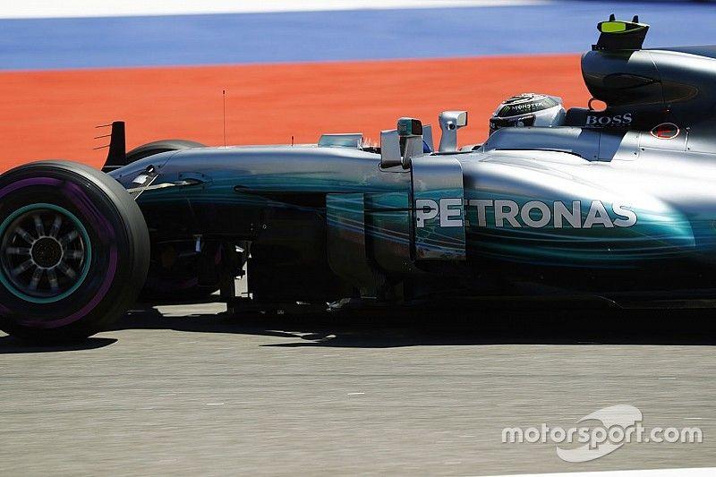 """Bottas geeft toe: """"Mercedes verrast door nederlaag in kwalificatie"""""""