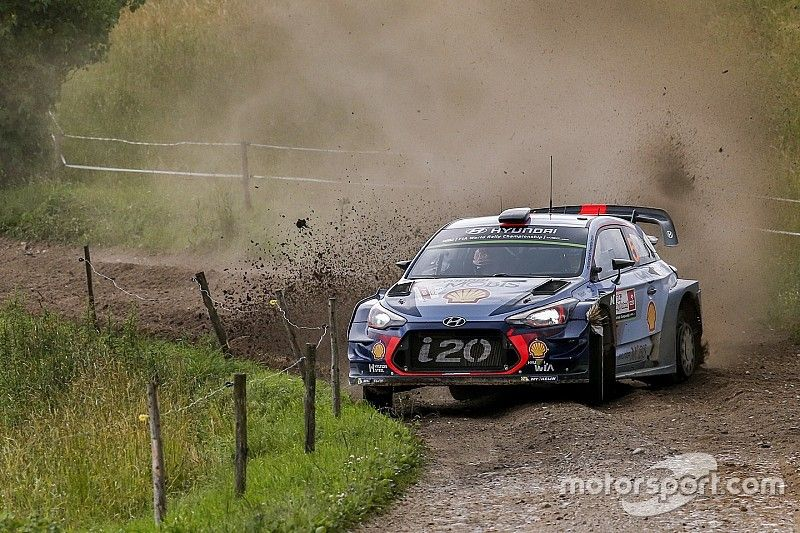 Polonia, PS21: Tanak sbatte, due Hyundai al comando!