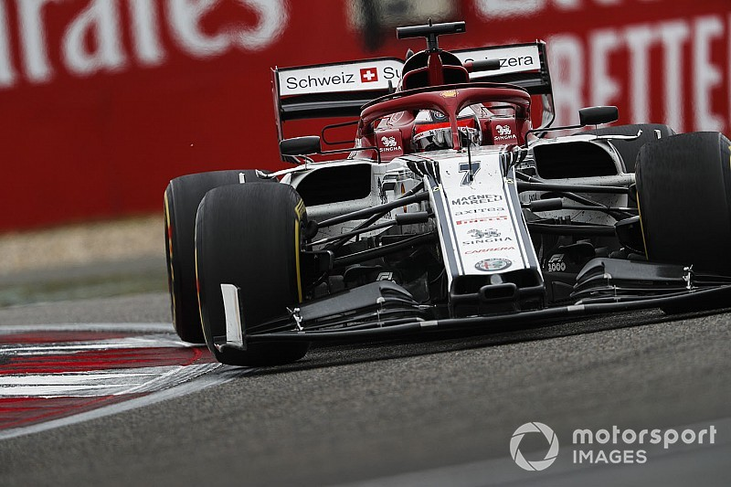 Zimne opony powstrzymały Räikkönena