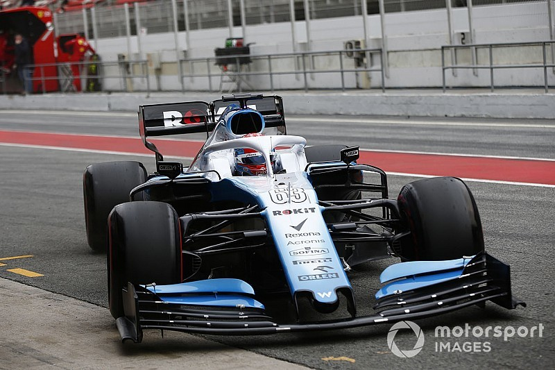 Williams in pista! La FW42 si presenta con un'inedita sospensione anteriore