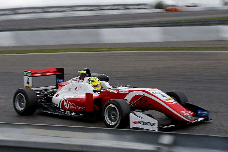 Шумахер выиграл гонку на четвертом этапе Евро Ф3 подряд
