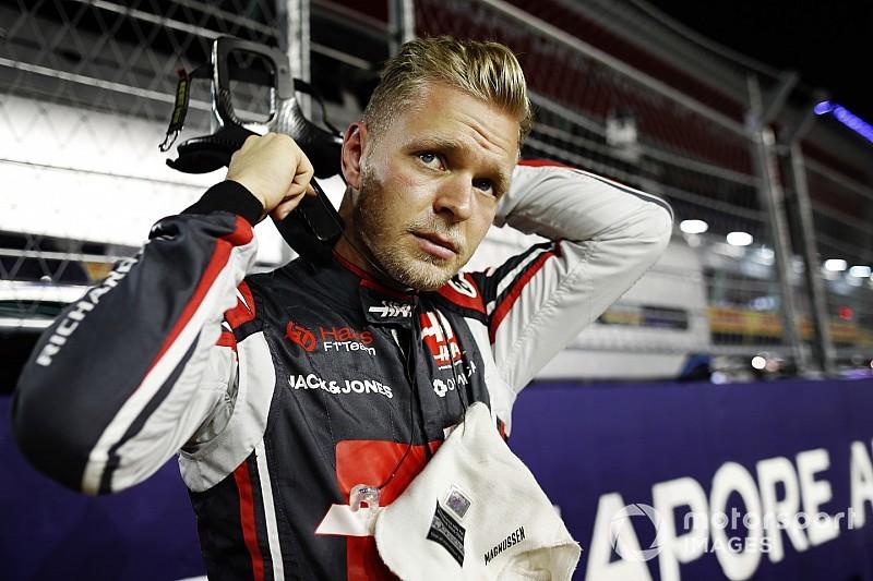 """Ebben a """"nulla pontos"""" Haas vitte a prímet Szingapúrban"""