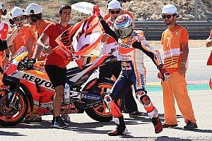 Galería: la caída de Lorenzo, la celebración de Márquez y las mejores fotos del GP de Aragón