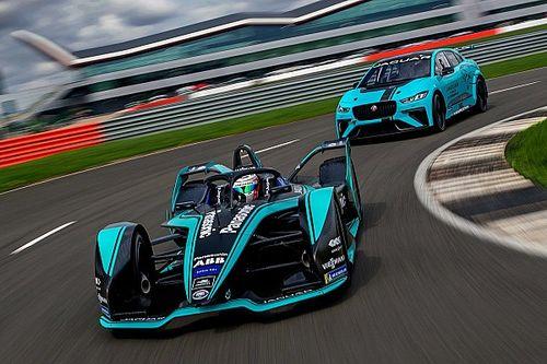 В Jaguar объявили состав пилотов и показали ливрею новой машины Формулы Е