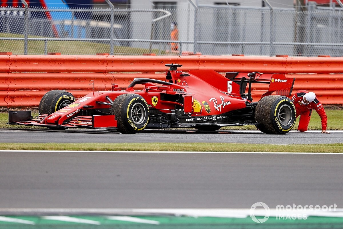 Ferrari wisselt motoren van beide auto's na problemen bij Vettel