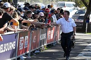 Resmi: McLaren, Avustralya GP'den çekildi!