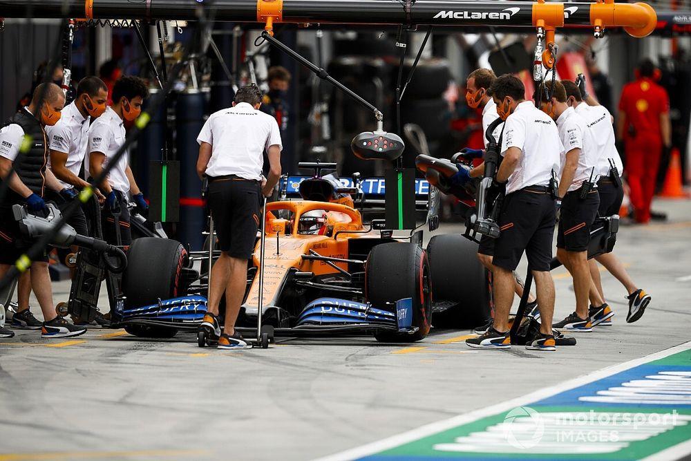 Sainz y McLaren, preocupados y con dudas tras el viernes de Hungría