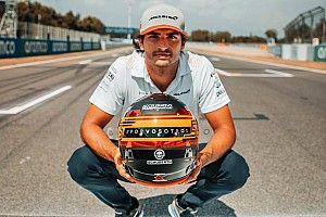 Photos - Le casque spécial de Carlos Sainz au GP d'Espagne