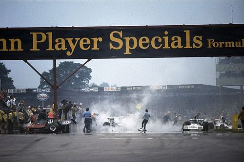 La intrahistoria del brutal accidente múltiple de Silverstone 73