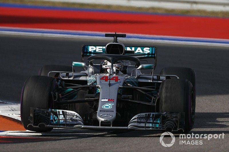 """Hamilton voelt zich ongemakkelijk: """"Teamorder niet wat ik wilde"""""""