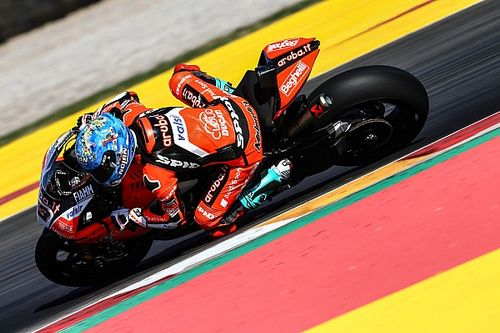 Argentina WSBK: Melandri beats Rea for dominant pole