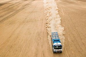 El Rally Dakar excluye a uno de los Kamaz por no auxiliar a una persona