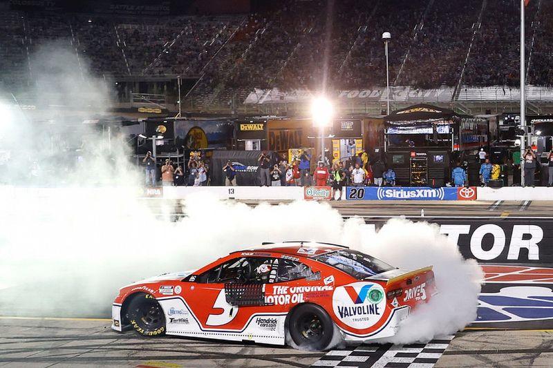 NASCAR Bristol: Larson siegt - Playoff-Feld um vier Fahrer reduziert