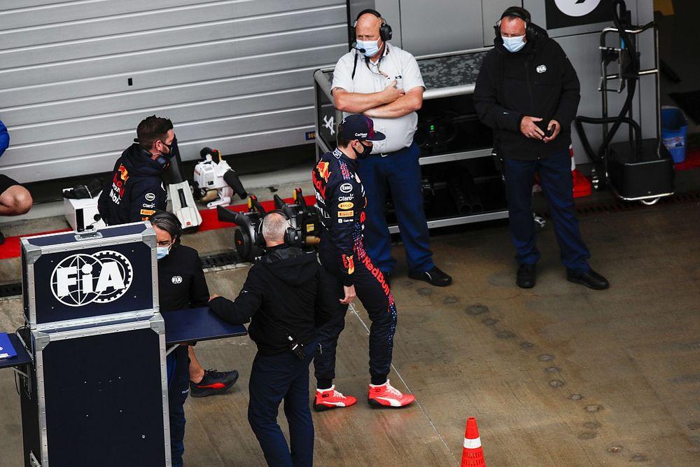 """F1: Verstappen mira pontos, mas precisa que """"coisas erradas"""" aconteçam na frente"""