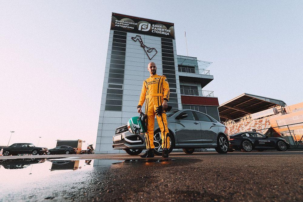 Как гонщику потратить 250 000 рублей даже не садясь в машину