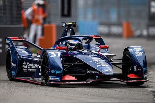 New York E-Prix: Cassidy takes pole ahead of Vergne