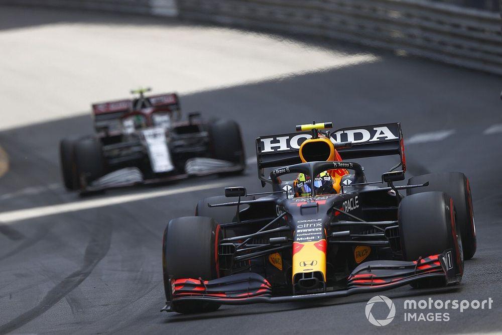 Horner: Red Bull Harus Selalu Tekan Mercedes
