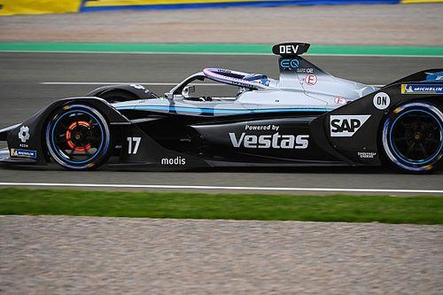 Fórmula E: De Vries supera Da costa na última volta e vence prova caótica em Valência