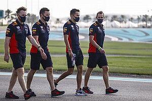 Micsoda fordulat: a Red Bull Ferrarikkal indulna a DTM-ben