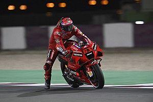 MotoGPカタール予選:バニャイヤ、驚異のレコードタイムで初PP! 中上貴晶はQ1突破し11番手