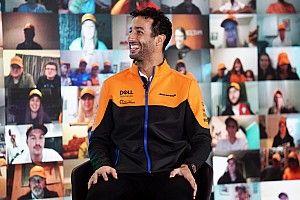 Daniel Ricciardo is pályán az idei McLarennel (videó)