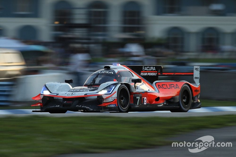 Castroneves ends 21-year Team Penske career in style