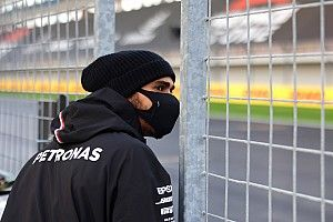 """Hamilton: """"Sekizinci şampiyonluk için savaşmak muazzam bir şey"""""""