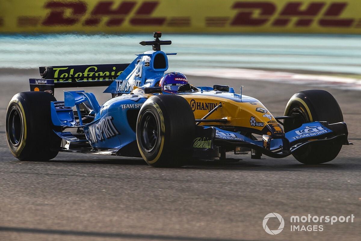 メルセデス代表、ルノーR25のデモランに感銘も「V10エンジンは過去の遺産」