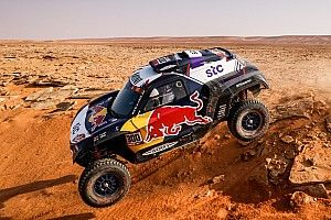 "Dakar, Sainz: ""Siamo stati senza freni per quasi tutta la tappa"""