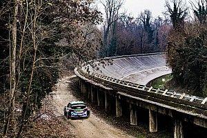 Monza z kibicami i sponsorem