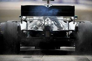 A Mercedes elnöke aggódik az F1-es motorjuk miatt: specialista érkezhet