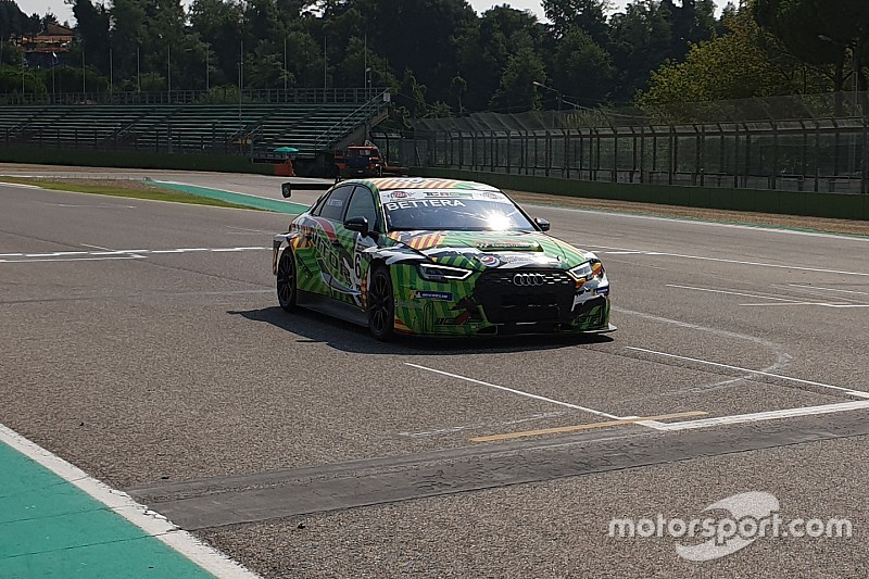 Enrico Bettera firma la pole position ad Imola