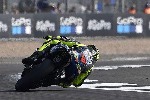 Rossi stracił podium przez tylną oponę