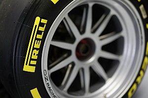Pályán a 18 colos Pirelli gumival felszerelt F1-es autó: WOW