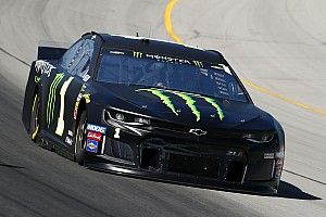 Kurt Busch fends off Logano for Stage 1 win at Kentucky