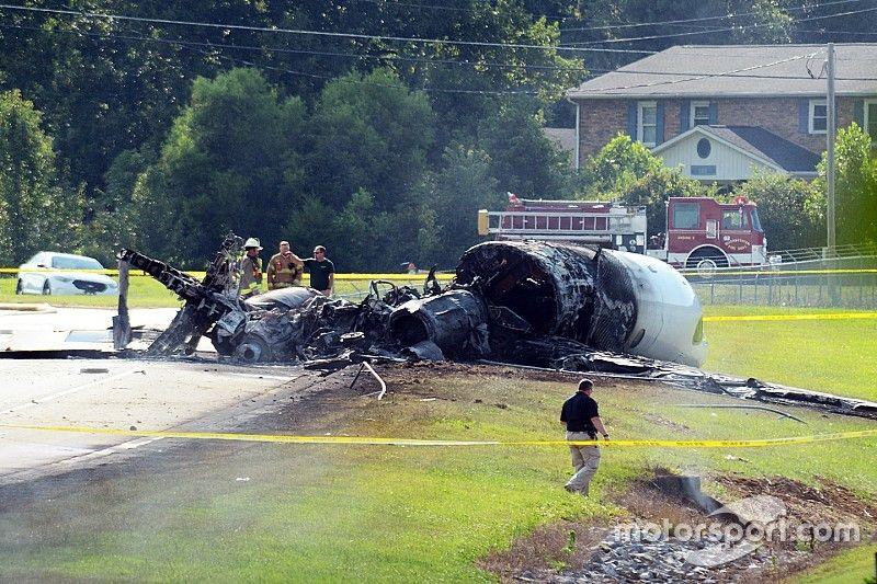 Экс-гонщик NASCAR попал в авиакатастрофу
