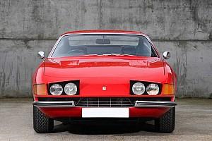 Elárvereznek egy Ferrari 365 GTB/4 Daytonát, mely régen Elton Johné volt