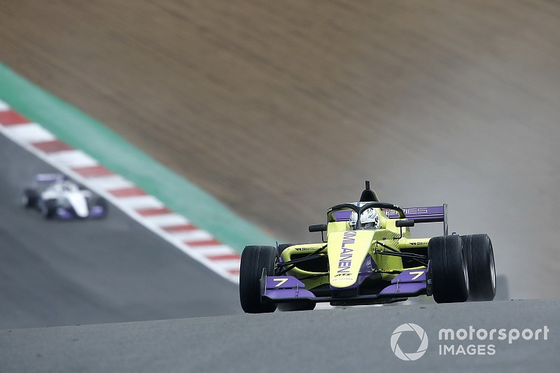 Brands Hatch W Series: Kimilainen fastest ahead of finale