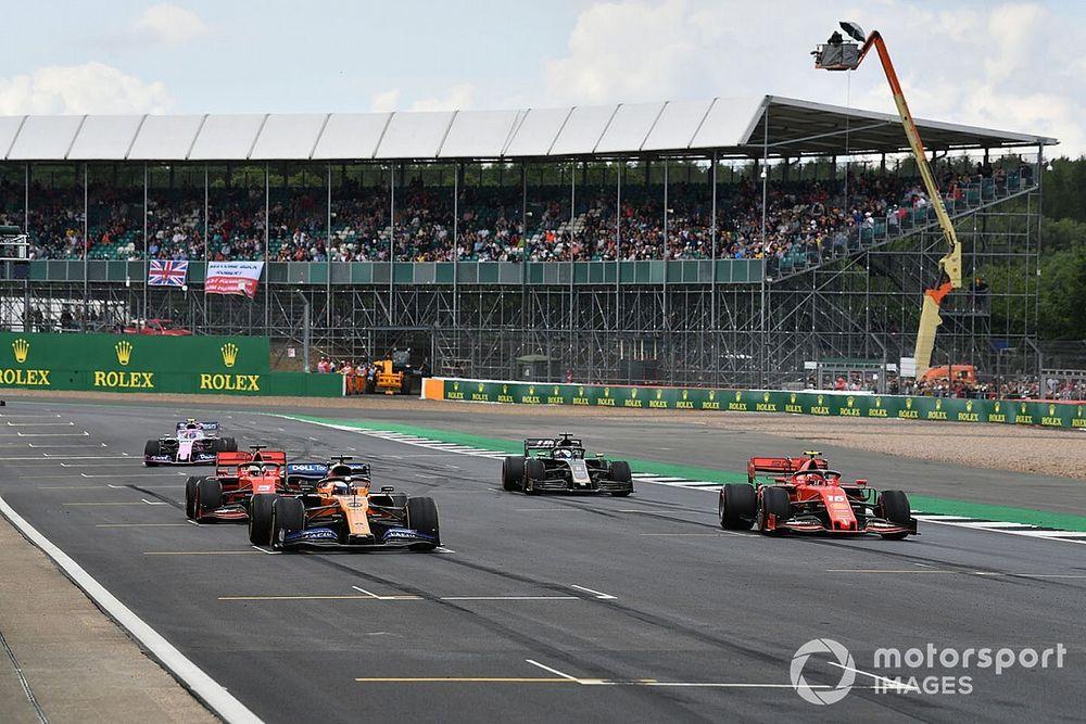 """Leclerc: """"Correr en dirección contraria sería muy guay"""""""