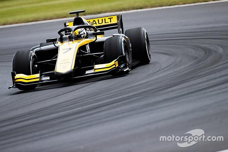 Чжоу завоевал в Сильверстоуне свой первый поул в Формуле 2