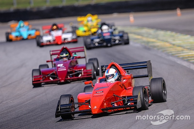 Daniel Mageste e André Nobre vencem corridas da quarta etapa da Fórmula Inter