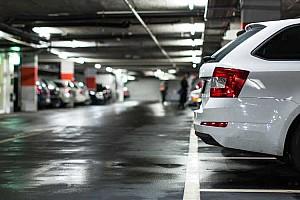 Érintésmentes parkolási rendszert készített egy magyar startup