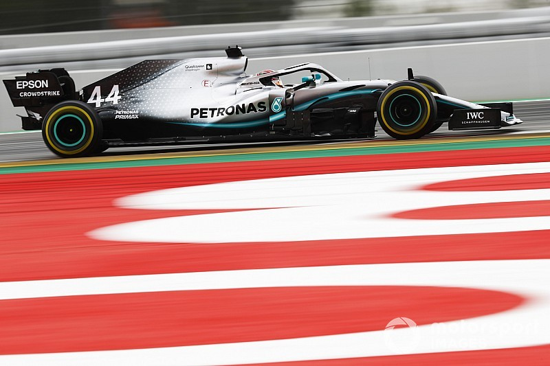"""Nothing we can do"" about Mercedes domination - Wolff"