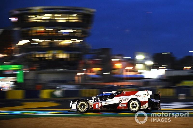 Le Mans: Los Toyota cambian posiciones