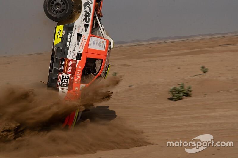 Foto's: Fikse klapper maakt nog voor start einde aan Dakar Kolomy