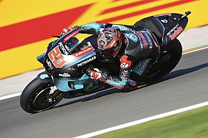 MotoGP, Valencia, Libere 1: Quartararo in vetta, cade Rossi