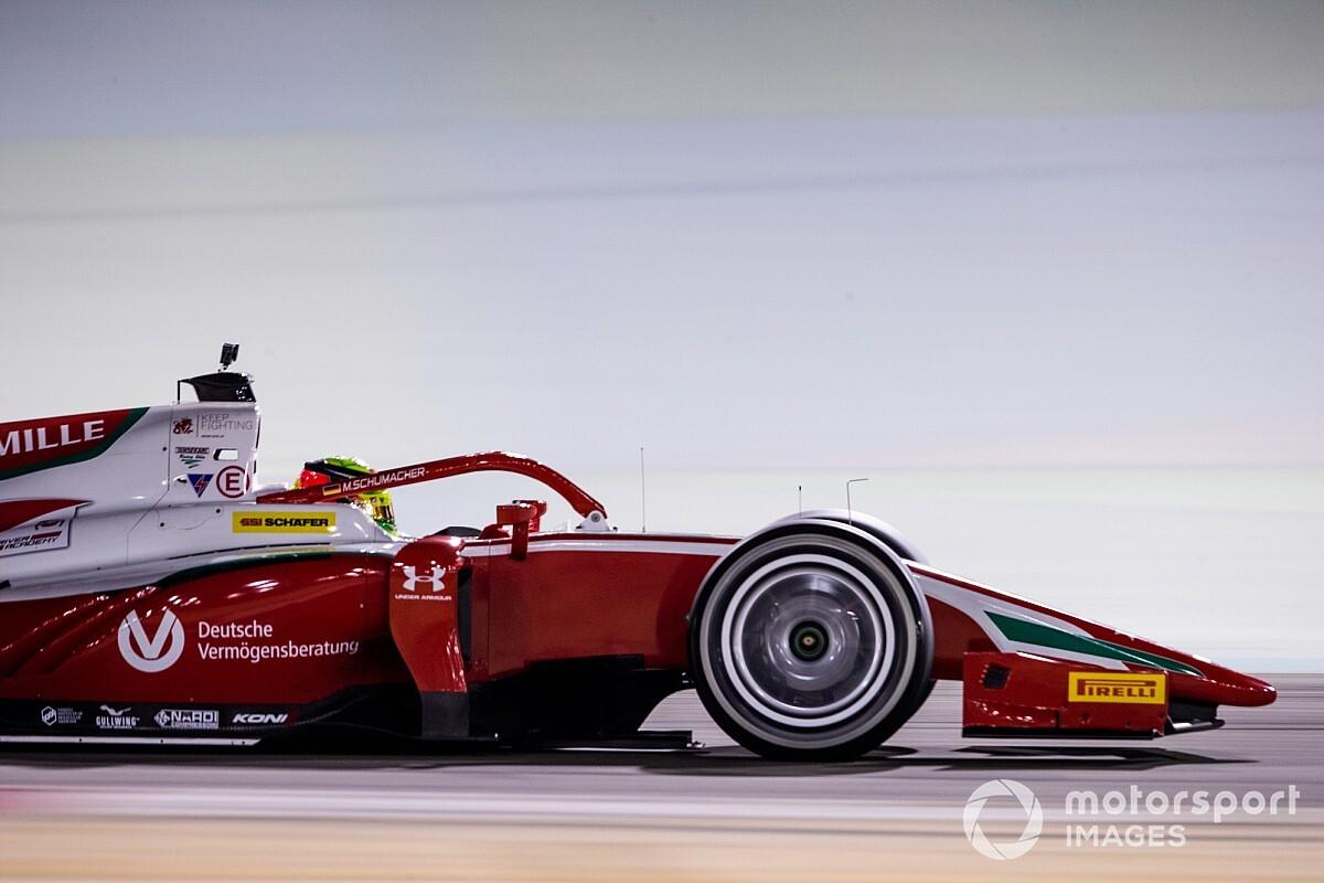 Formule 2-auto's 30 kilogram zwaarder door 18 inch velgen